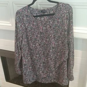 Beautiful patterned blouse sz L The Limited